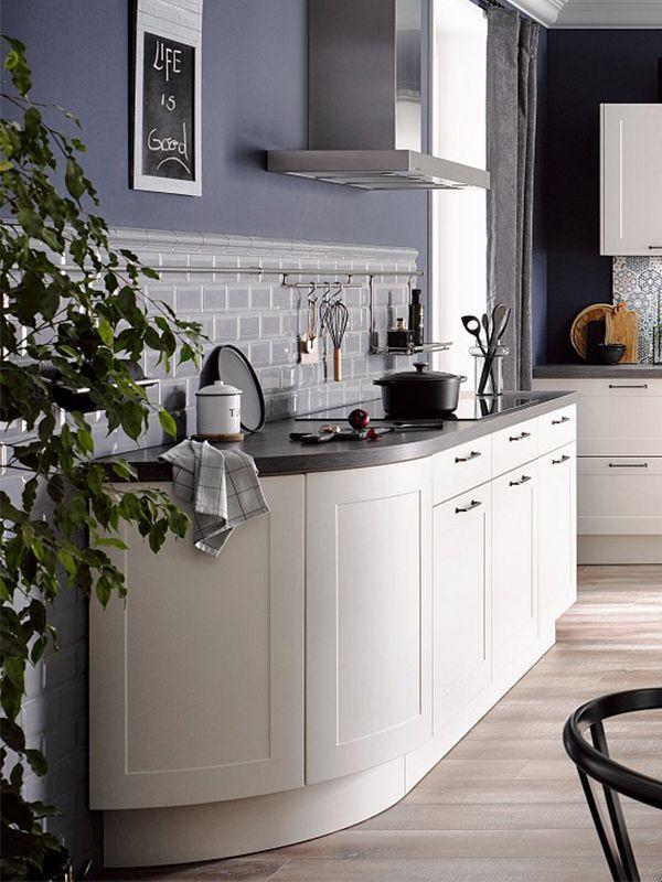 Diese Landhaus-Küche bringt Flair in Ihr Zuhause Die matten Fronten - arbeitsplatte küche eiche