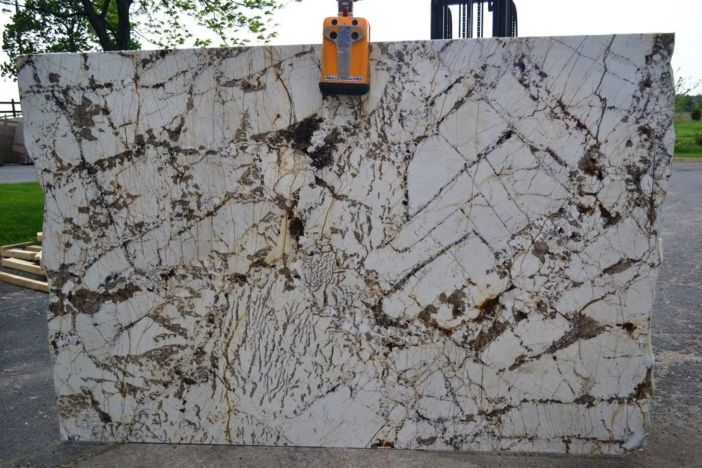 Largest Indoor Slab Collection In Pittsburgh Pa Area Granite Kitchen Granite Colors Granite Stone