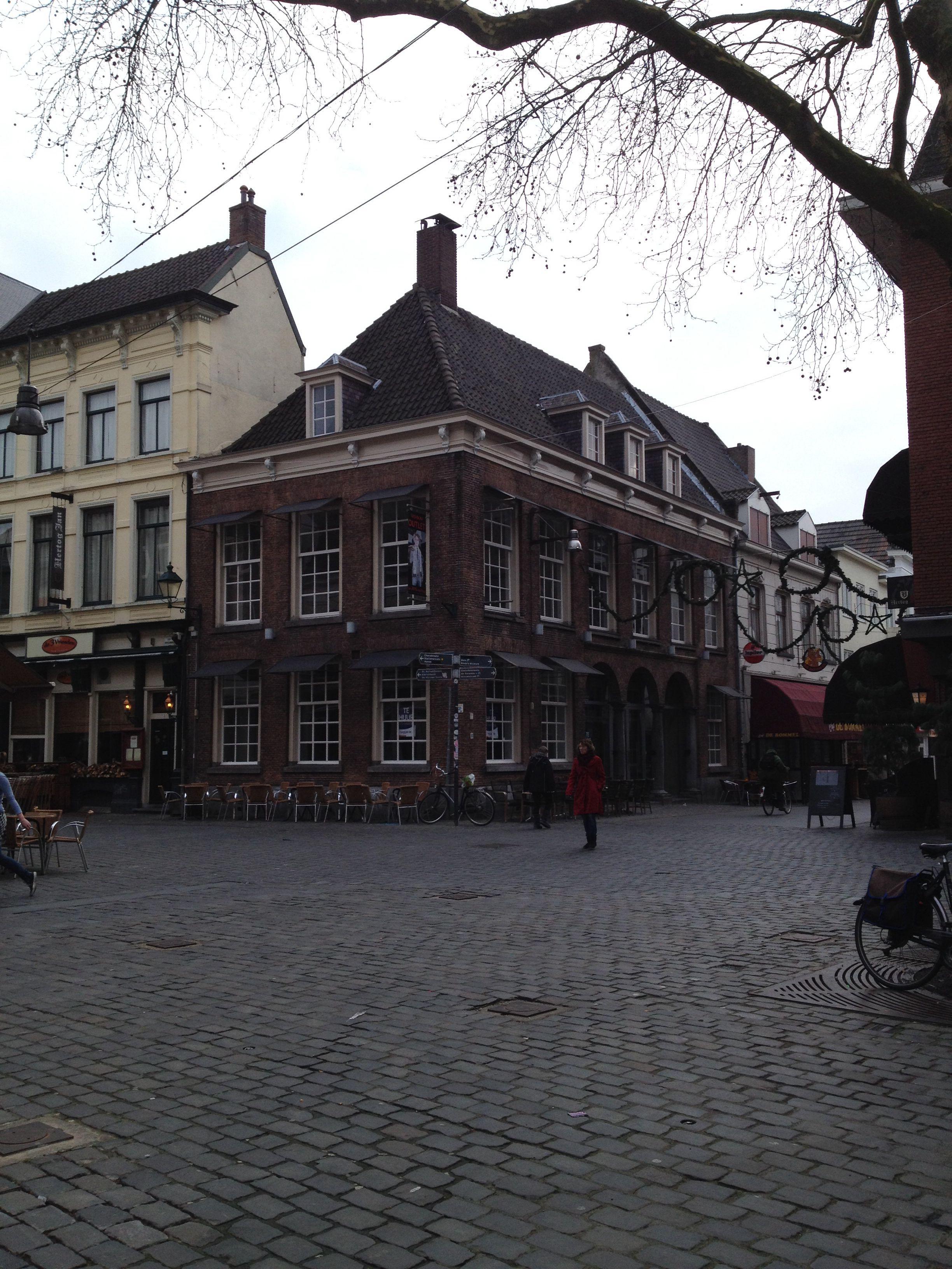 Breda. Grote markt. Halstraat. Oud Nederland. Breda Centrum. Parel van het zuiden. Breda