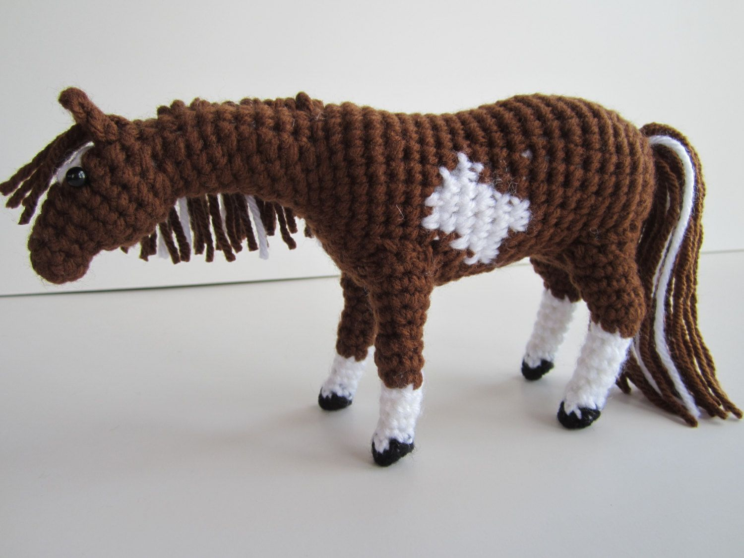 Amigurumi Horse Tutorial : Pdf crochet horse pattern with additional instruction on face