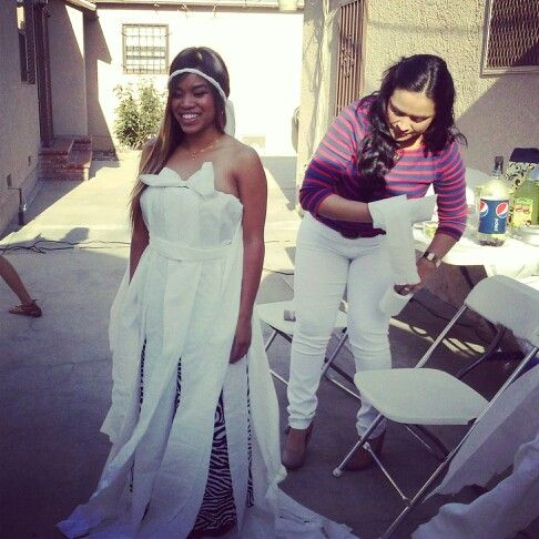 The Toilet Paper Wedding Dress Game My Favorite Game They Played Each Team Had 10 Minutes To Design Toilet Paper Wedding Dress Wedding Dresses Games Dresses