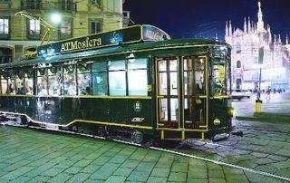 Una cena davvero originale su un tram perfettamente restaurato, che ti accompagner