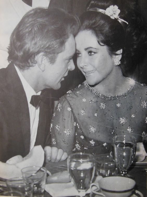 She Never Looked At Another Man The Way She Looked At Richard Elizabeth Taylor Movie Stars Burton And Taylor