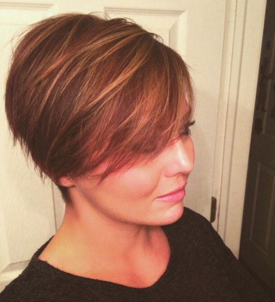 Short Hairstyles For Round Faces Nice 16 Simple Idea Short Hairstyle For Round Faces Cute  #cute