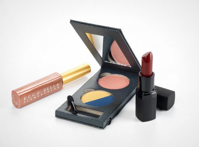 10 Organic Makeup Lines to Add to Your Beauty Routine #organicmakeup