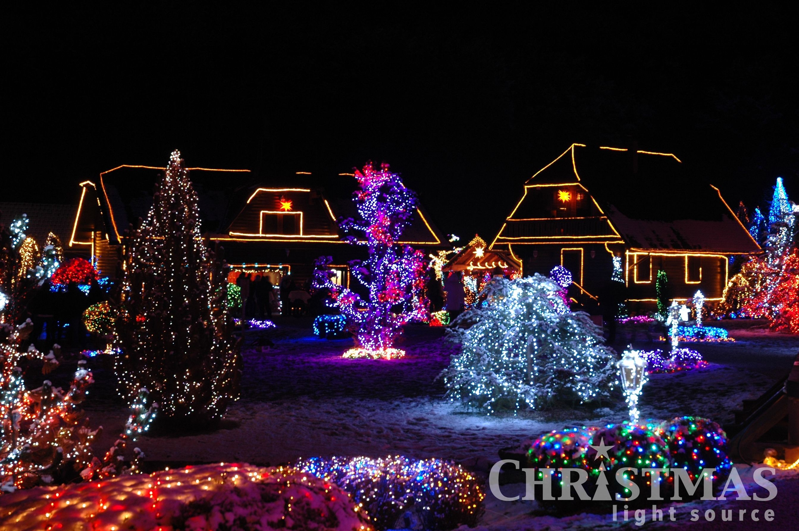 We love displays that use an over-the-top amount of #ledchristmaslights Running 100's of strings in the front yard no longer has to blow all the breakers!  #griswoldchistmas #christmaslights