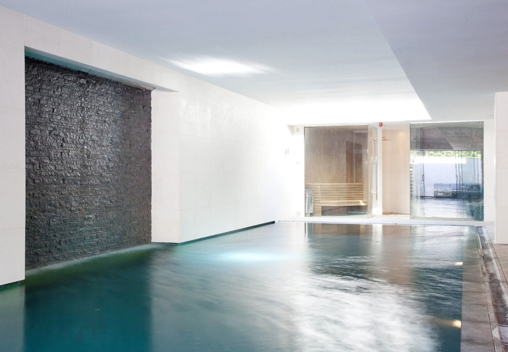 indoor swimming pool / in-ground / porcelain buckinghamshire
