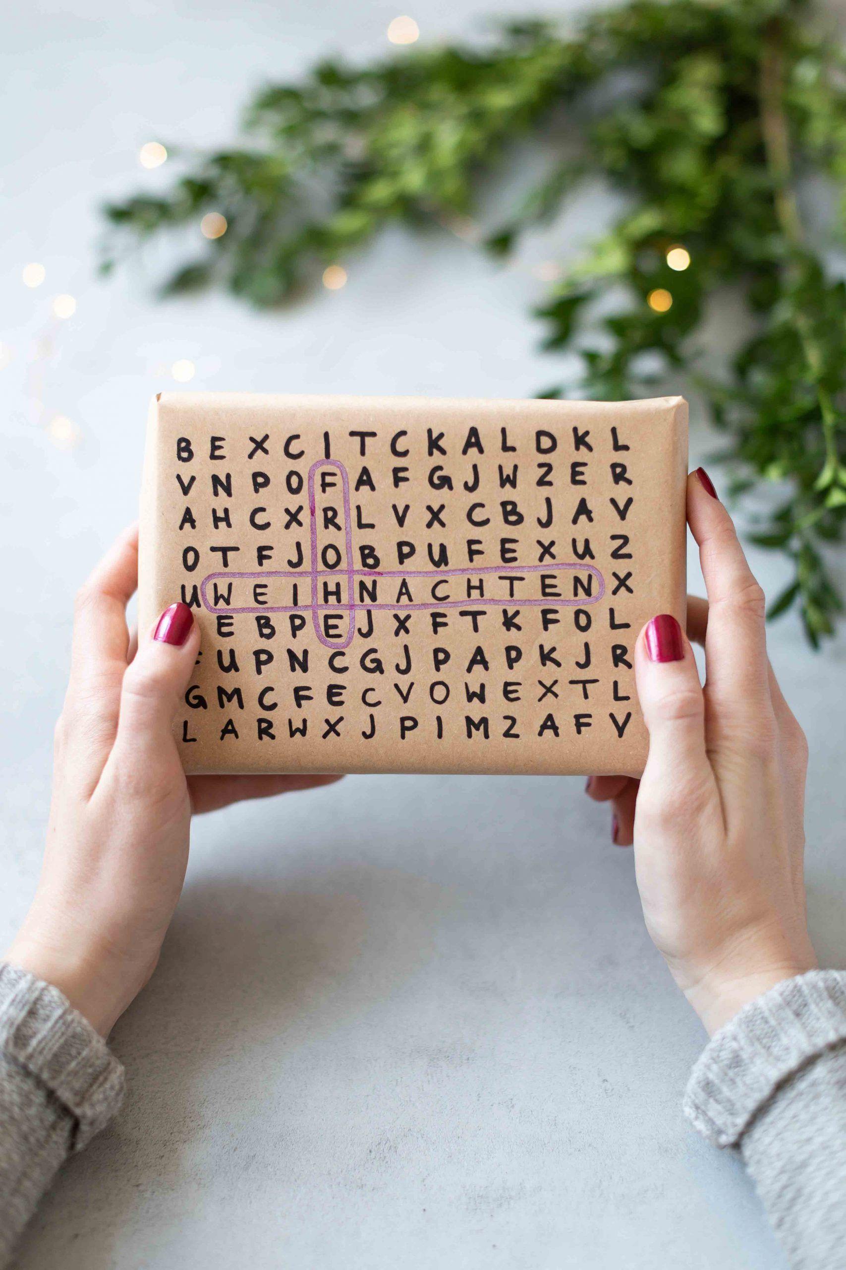 Geschenkverpackungen mit Buchstaben - Handletterin - Frisch Verliebt