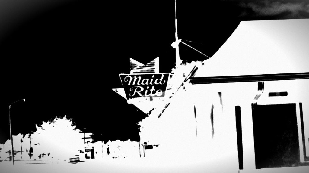 Maidrite #streetphotography #HDR #Art #Noir #photog #blackandwhite