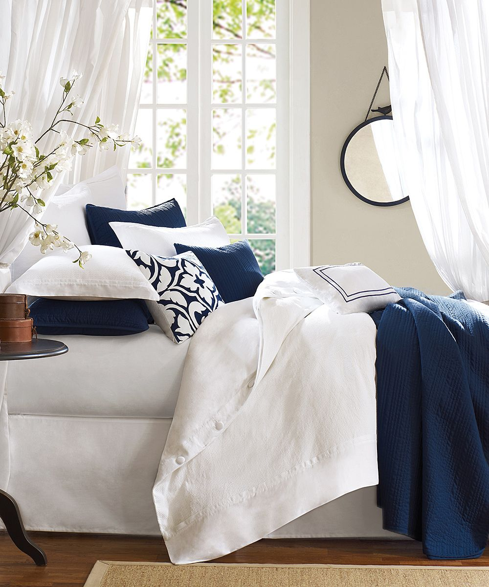 Blue Amp White Comforter Set Architecture Bedroom