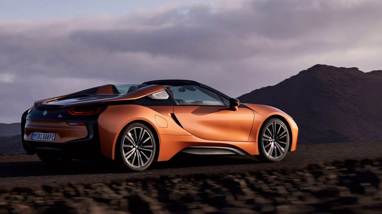 Pin By Carreview Buyerprice On Hot News Bmw I8 Takes On The Model S