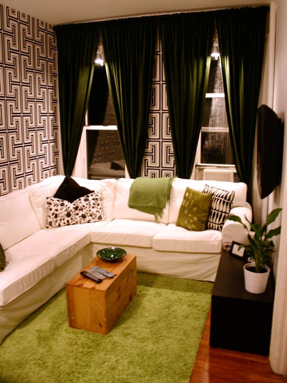 14 Functional Chic Studio Apartment Makeovers