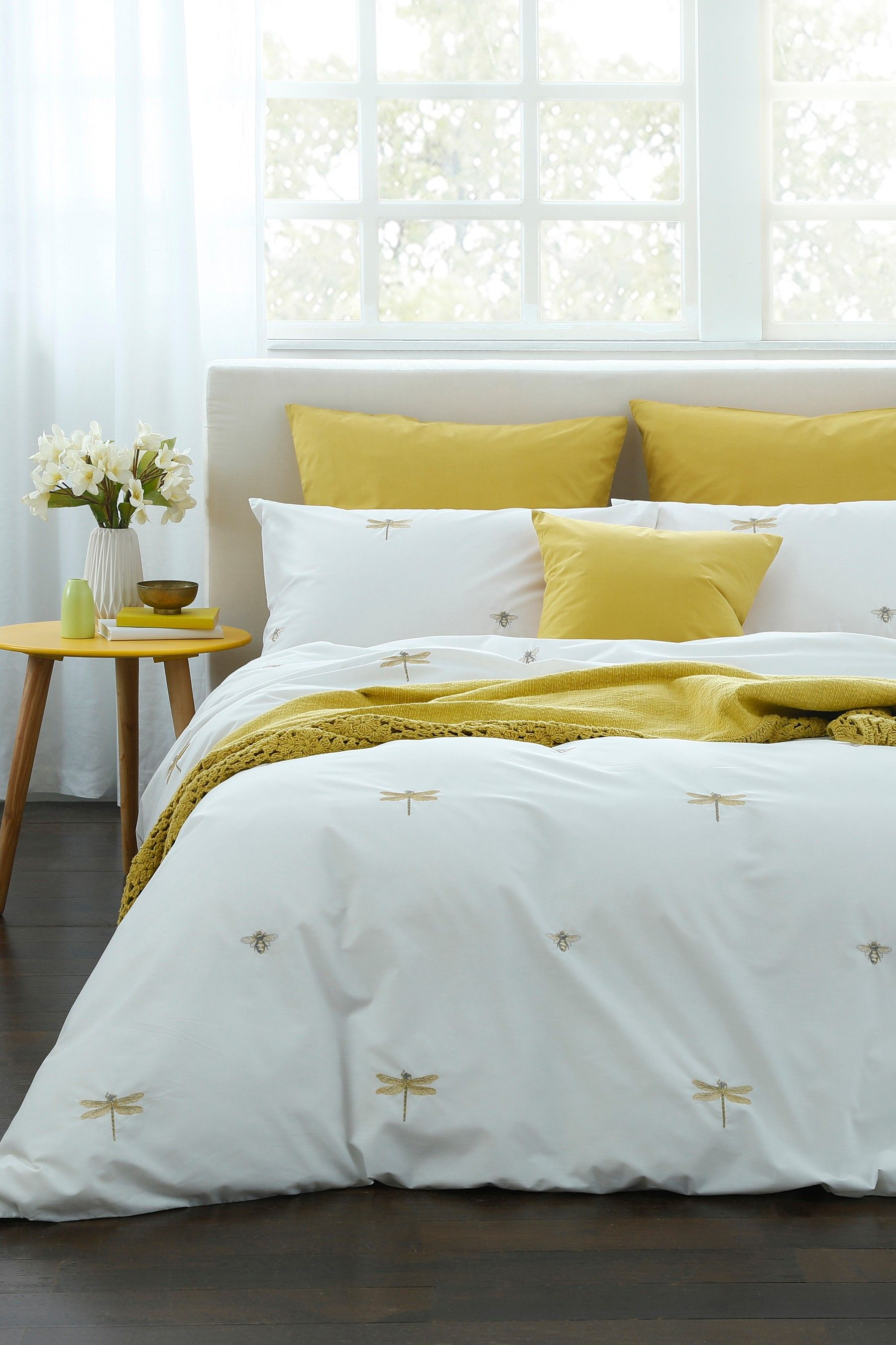 Embroidered Bugs Duvet Cover and Pillowcase Set Duvet