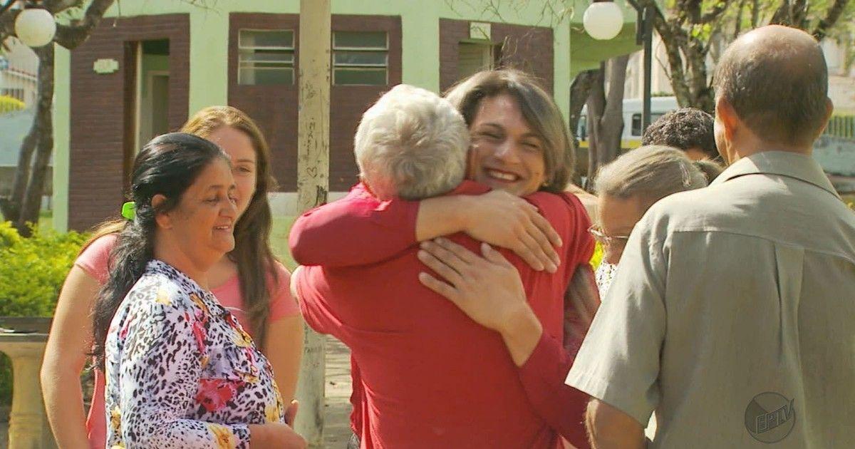 Transexual é eleita vereadora pela primeira vez em Caldas, MG