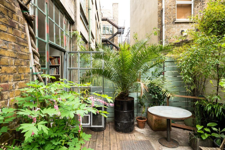 Tudor Road London E9 The Modern House Courtyard Garden Small