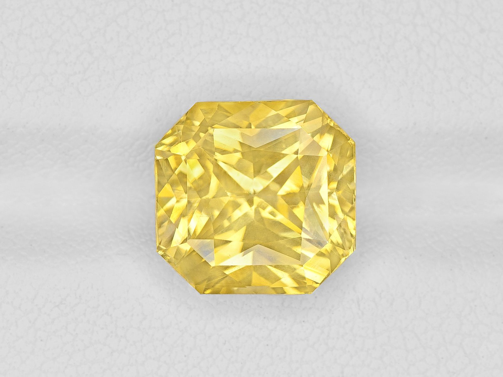 Yellow Sapphire 8 11ct Mined In Sri Lanka Certified By Gia Yellow Sapphire Sapphire Gem Rock Auctions