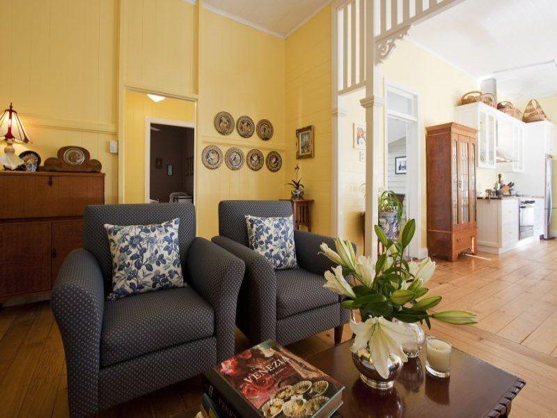 old Queenslander Dalby | Room, Furniture
