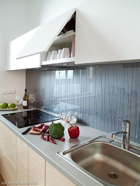 Szklo Na Scianie W Kuchni 30 Pomyslow Na Aranzacje Z Lacobelem Kitchen Kitchen Cabinets Home Decor