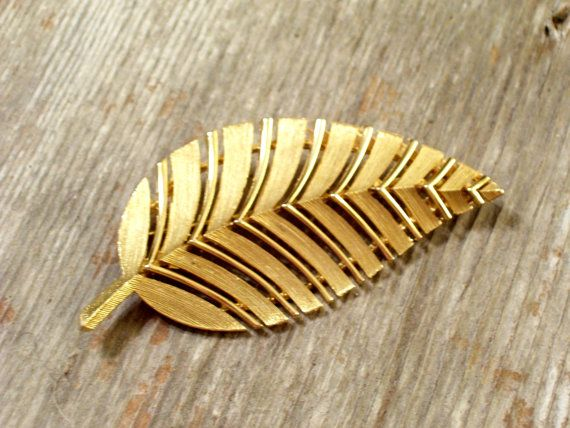 Huge Vintage LISNER Leaf  Pin Fall Jewelry Gold by TheCopperCat, $9.00