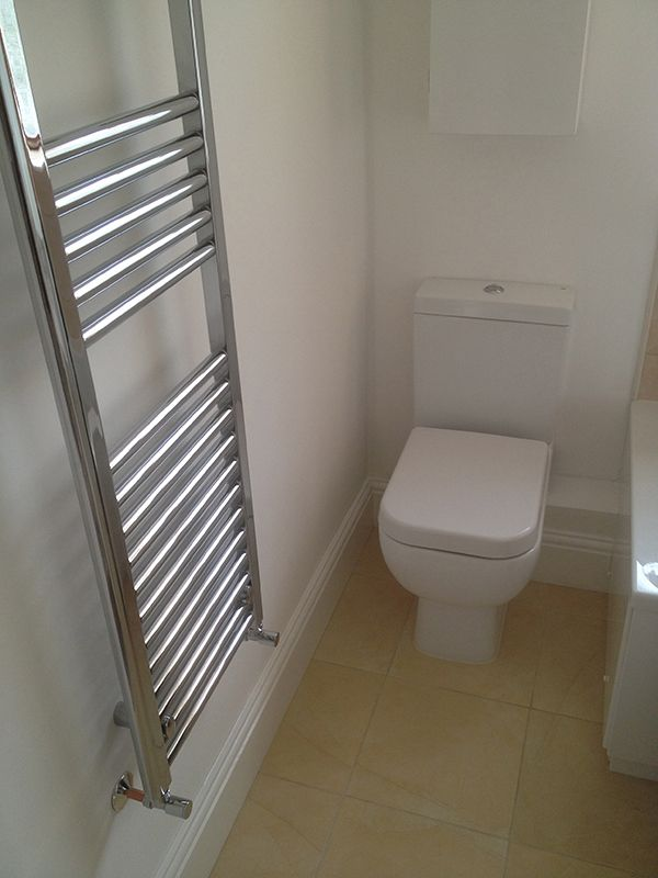 Uk Bathroom Design Closed Coupled Toilet W Clean Pipeworkuk Bathroom Guru