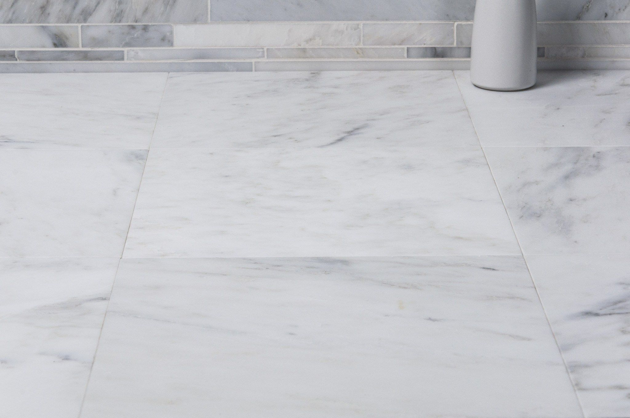 Carrara Venato Marble Wall And Floor Field Tile In Various Sizes And Finishes Marble Tile Floor Marble Bathroom Trendy Bathroom Tiles