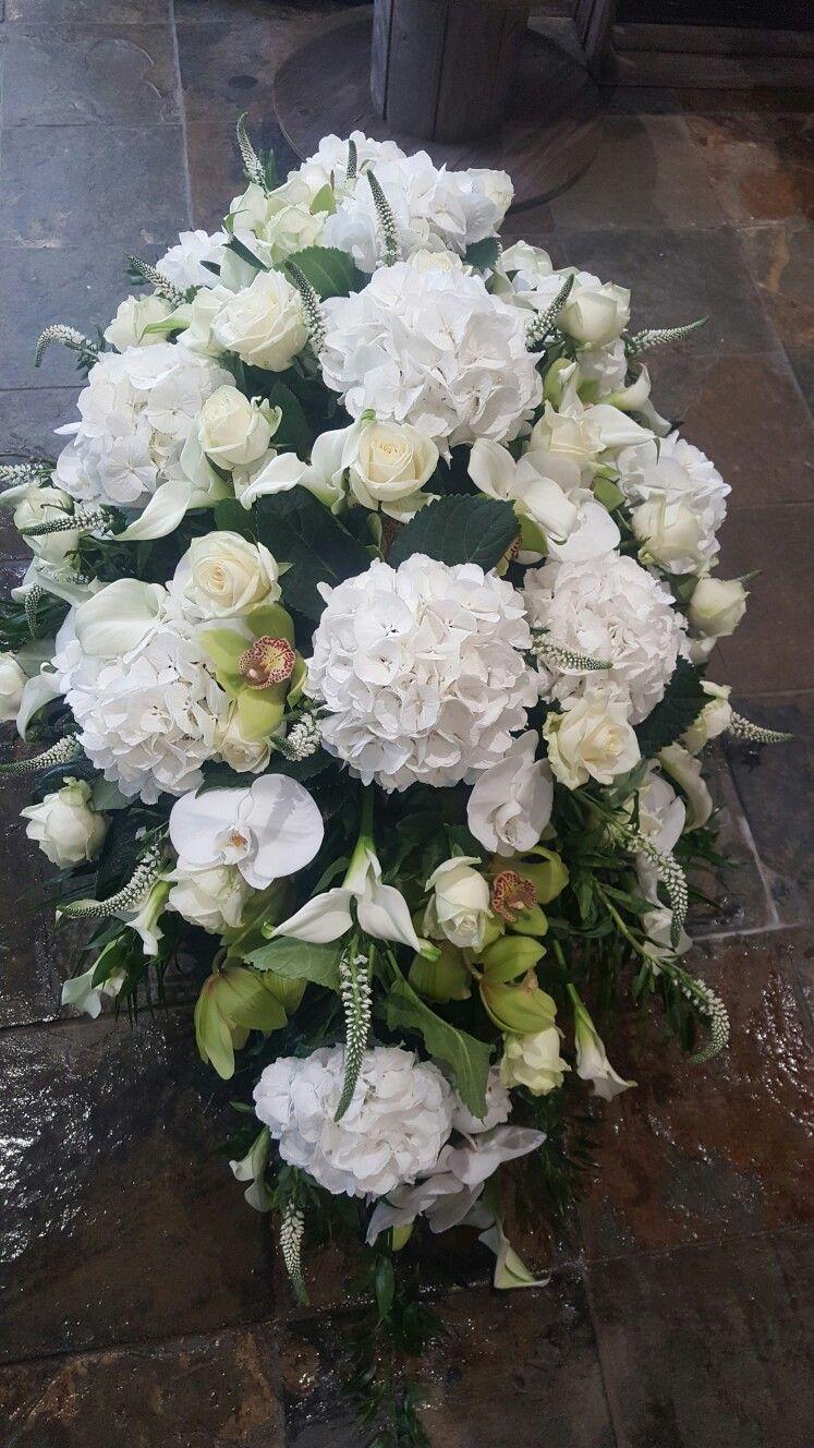 Pin By Katarzyna On Kompozycje Kwiatowe Pinterest Funeral