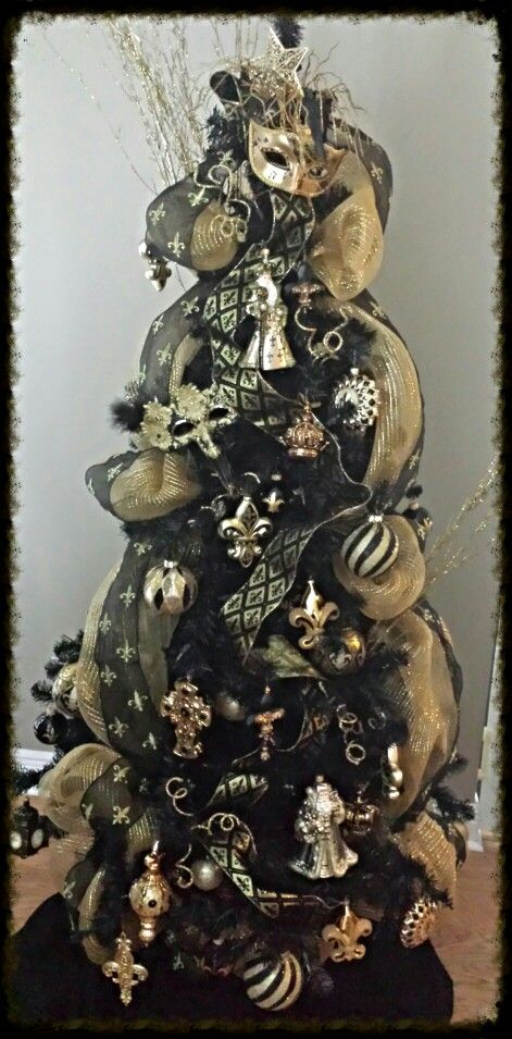 My New Orleans Saints Tree for the office looks similar-but I use gold  mardi gras beads instead of ribbon - My New Orleans Saints Tree For The Office Looks Similar-but I Use
