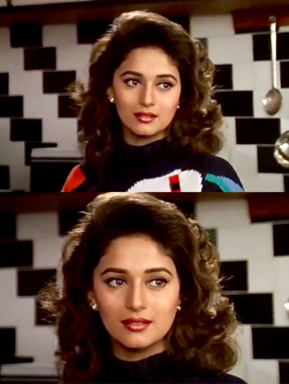 Madhuri Dixit In Hum Aapke Hain Kaun Beautiful Bollywood Actress Madhuri Dixit Bollywood Actress