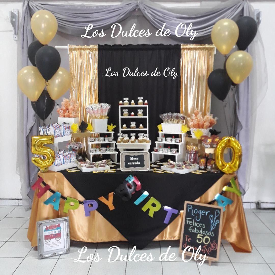 Mesa de dulces dorado y negro