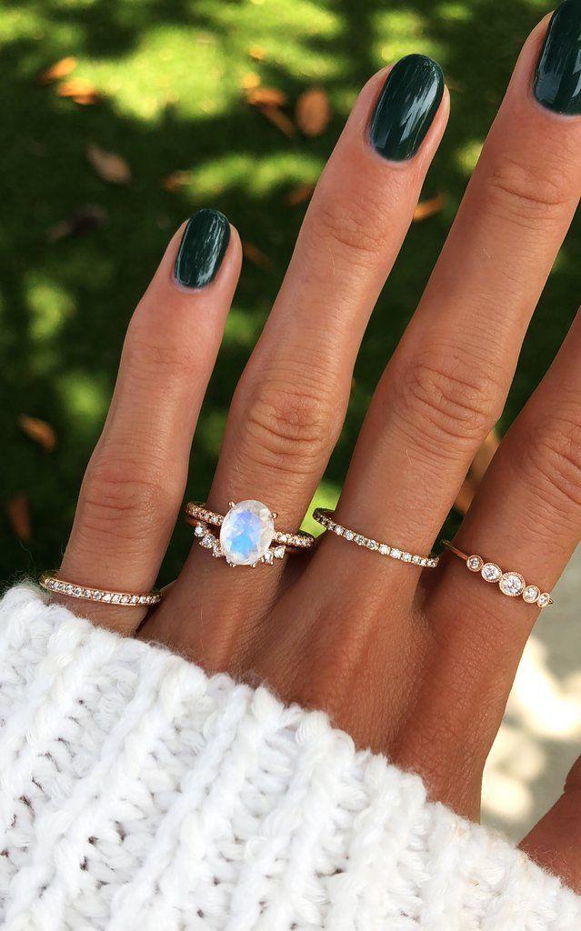 Anillo de eternidad de piedra lunar con solitario de oro y diamantes de 14 kt
