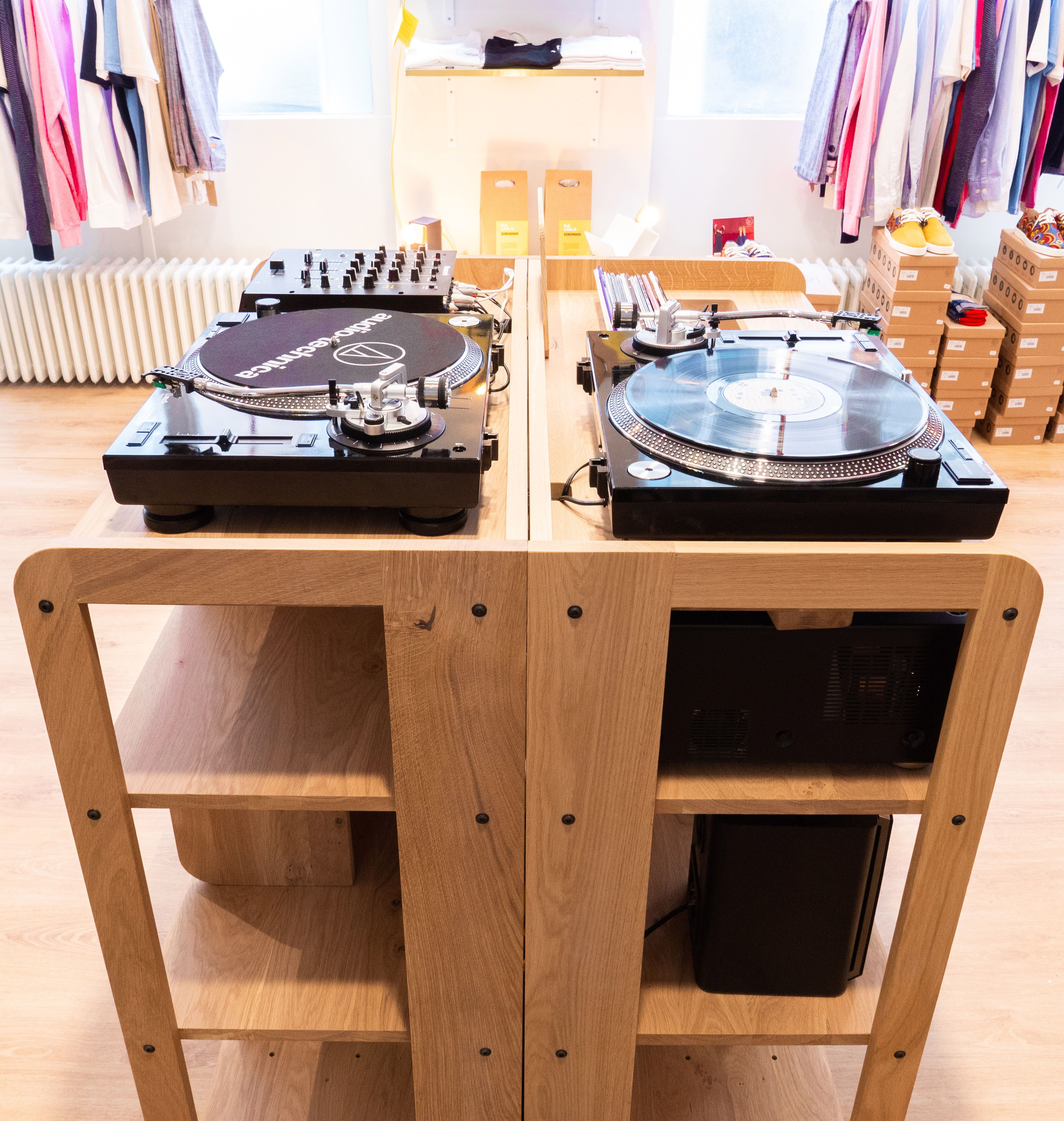 Meuble Vinyle Portee Design Et Adaptable Made In France Meuble Vinyle Vinyle Meuble