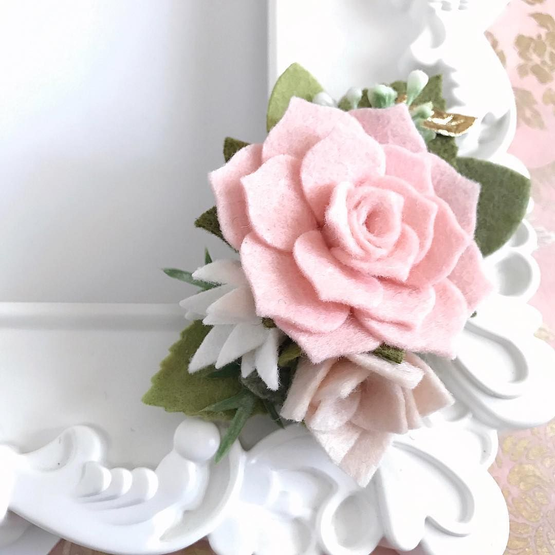 Love pink? Love succulents? Well this is your perfect hair accessory ...