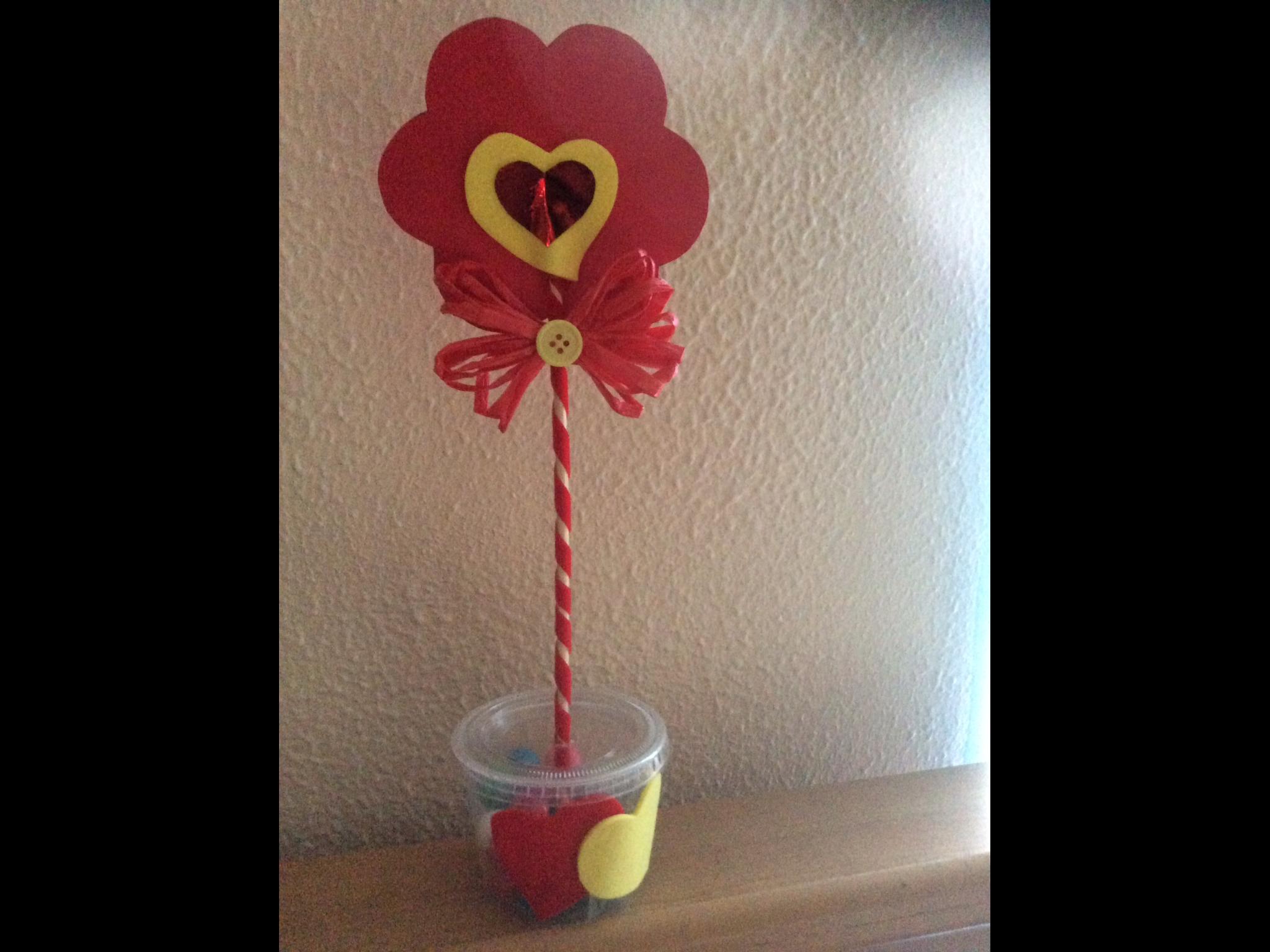 Maceta con chicle para San Valentín day