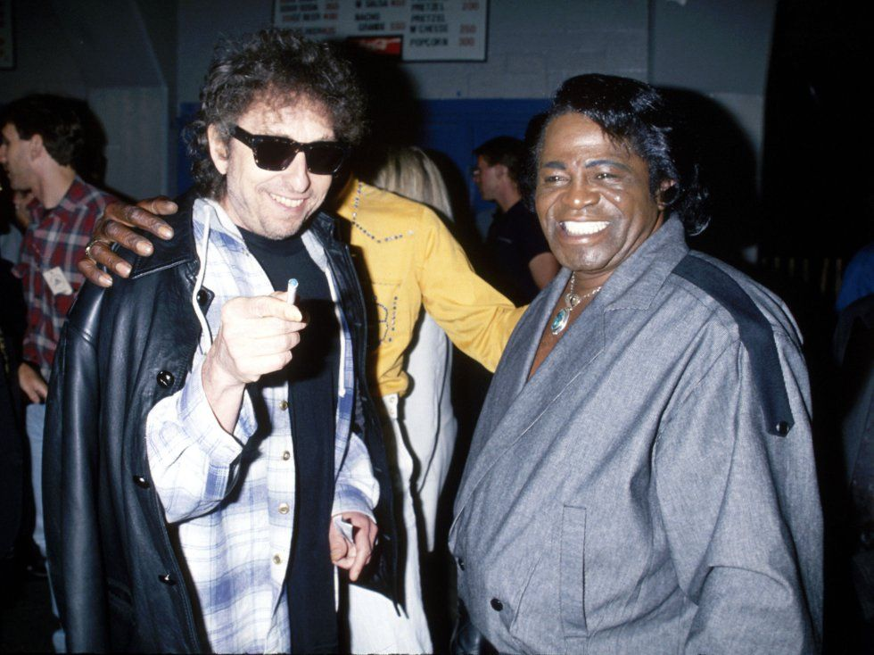 Bob Dylan junto a James Brown.