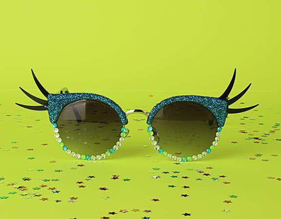 357ae0d84 carnival sunglasses / óculos de carnaval =) | Accessories em 2019 ...