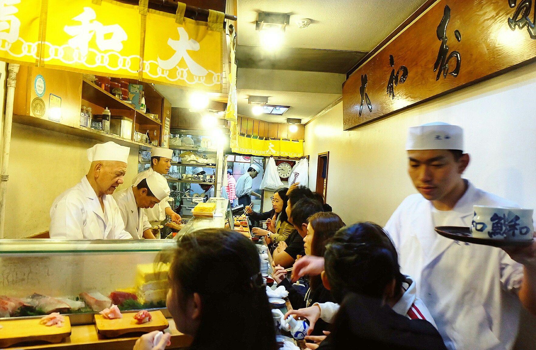 Busy Morning at Daiwa Sushi, Tsukiji Market, Tokyo