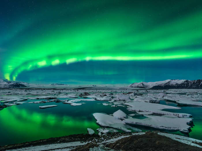 Score a rare chance to see the northern lights on this six-day Iceland tour. Flights from LAX, Denver, Orlando, or Seattle included.  The Destinations There's no better place see the northern lights than ...