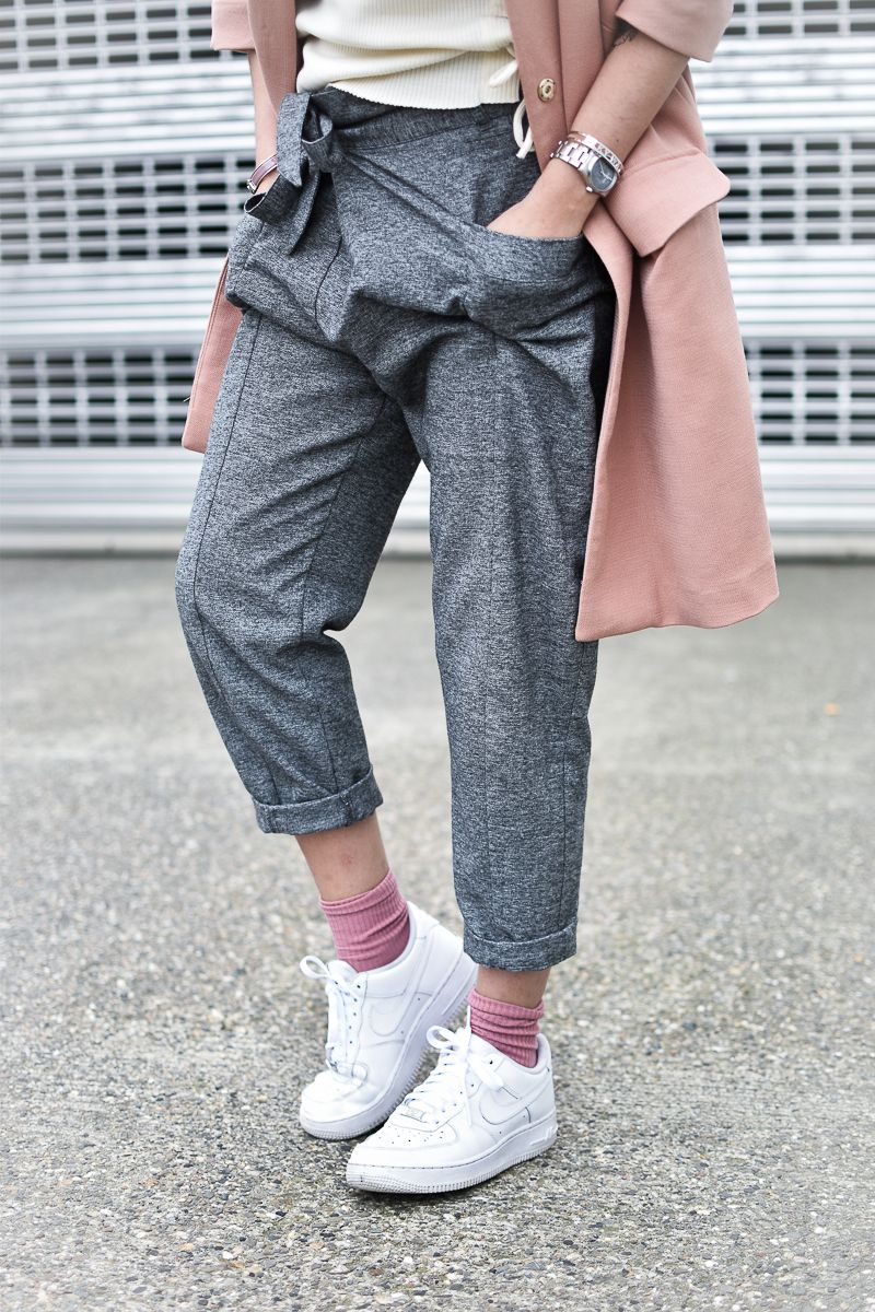 le manteau rose en hiver pinterest pantaloni grigi, nike air force