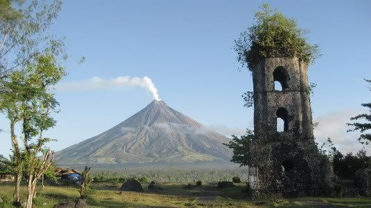 Mayon Volcano Albay Shoes On The Go Pinterest Volcano Philippines And Beautiful Places