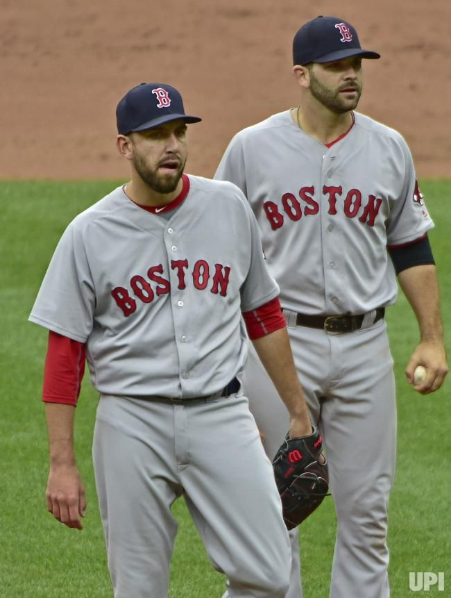 Boston Red Sox Pitcher Matt Barnes Walks Away From First Baseman Mitch Moreland After Barnes Was Ejected For A Hig Boston Red Sox Players Red Sox Boston Sports