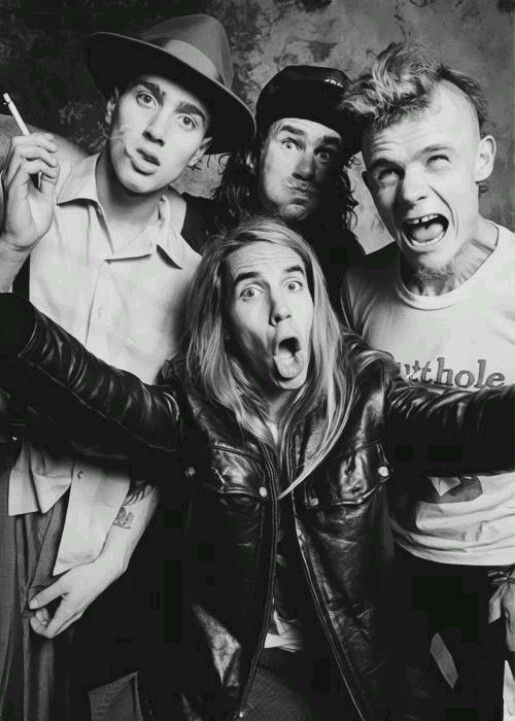 Red Hot Chili Peppers.. My favorite music artists