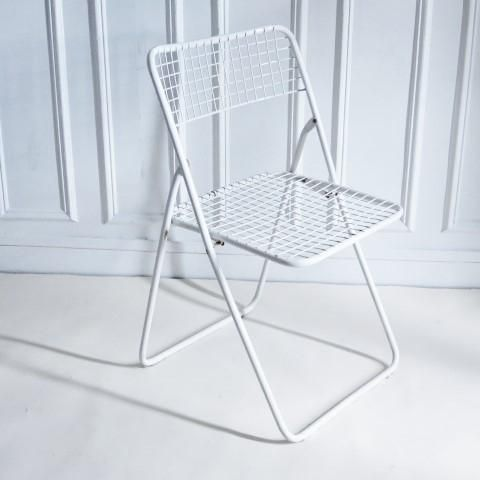 Chaise Ted net blanche Niels Gammelgaard Ikea vintage