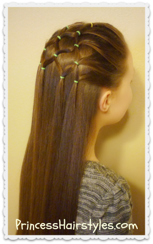 elastic christmas tree hairstyle