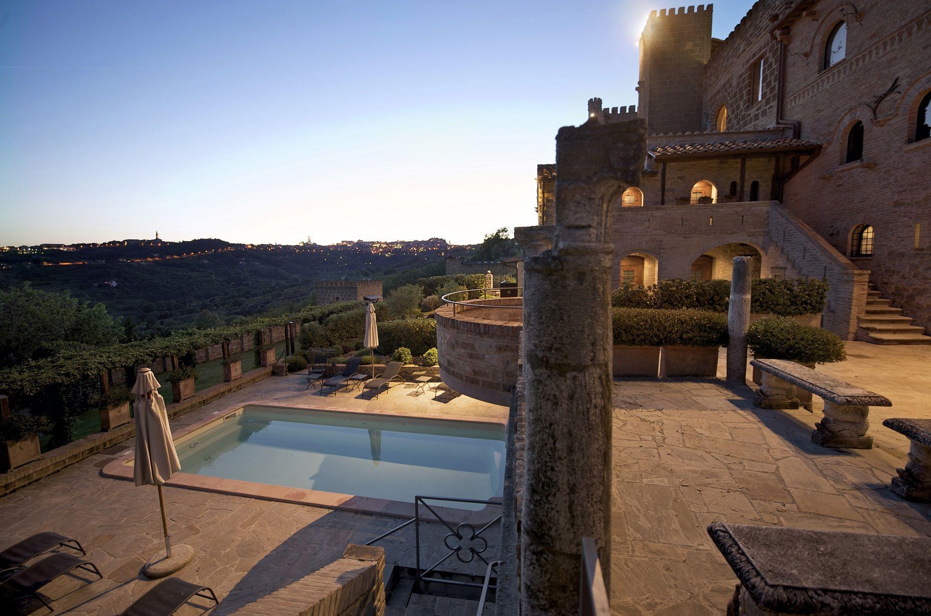 La favola di una notte: dormire in un castello | Hotel - lodge - spa ...