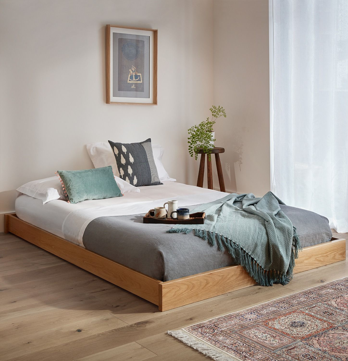Low Enkel Platform Bed (No Headboard) (с изображениями)