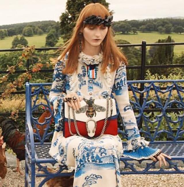 """Look at what we found in the latest issue of @VanityFair! @Gucci's Fall/Winter 2016 campaign features an amazing collection including this special bee purse. We think it is """"bee-yond"""" beautiful! 🐝"""