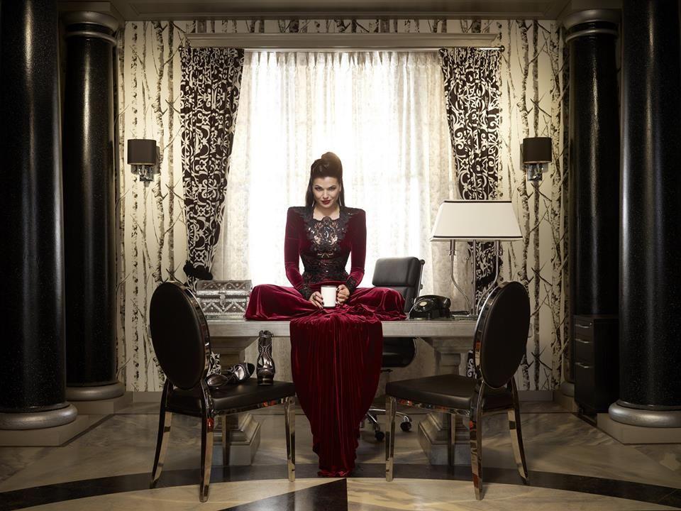 Regina, a rainha má!