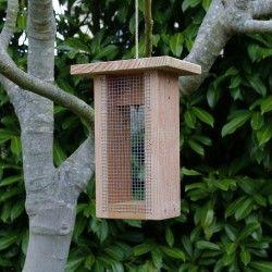 mangeoire silo graines mangeoire pour oiseaux des. Black Bedroom Furniture Sets. Home Design Ideas