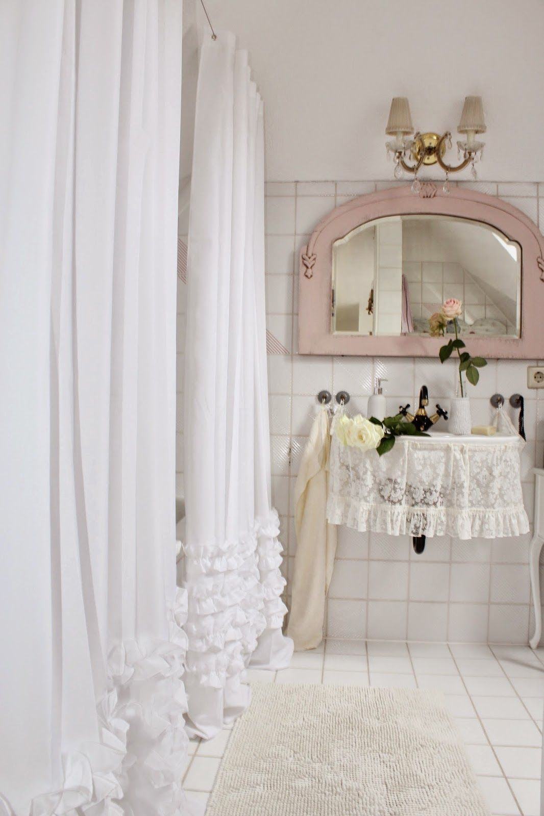 Shabby Chic Bathroom - | romantische bäder | Shabby chic ...