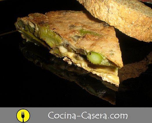 Tortilla de espárragos trigueros o verdes. Receta tradicional http://www.cocina-casera.com/2012/04/tortilla-de-esparragos-trigueros-receta.html Vía: @cocinacasera1